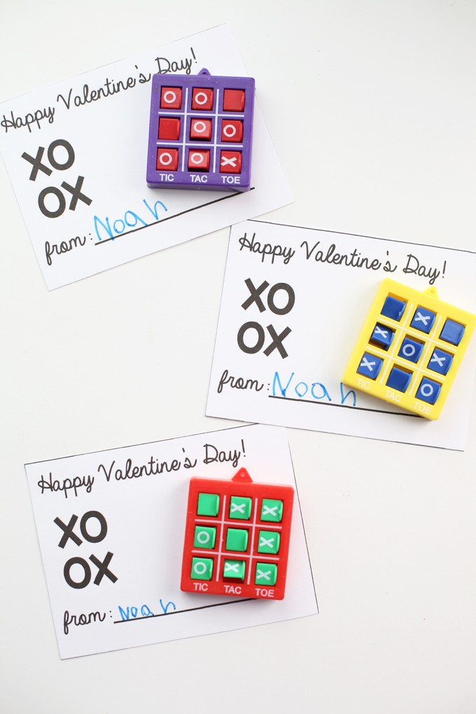Tic-Tac-Toe Valentines - Paintbrushes & Popsicles