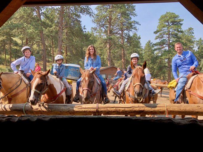 estes park horseback riding